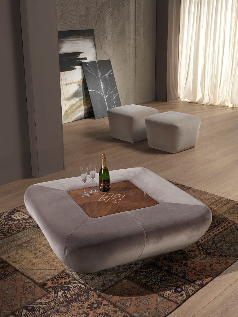 Carpanelli contemporary morfeo pouf table basse avec bar for Table basse s avec pouf