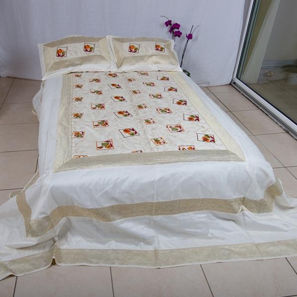 jete de lit 220 cm x 280 cm blanc tulipe abonomobels meubles de luxe meubles luxembourg. Black Bedroom Furniture Sets. Home Design Ideas