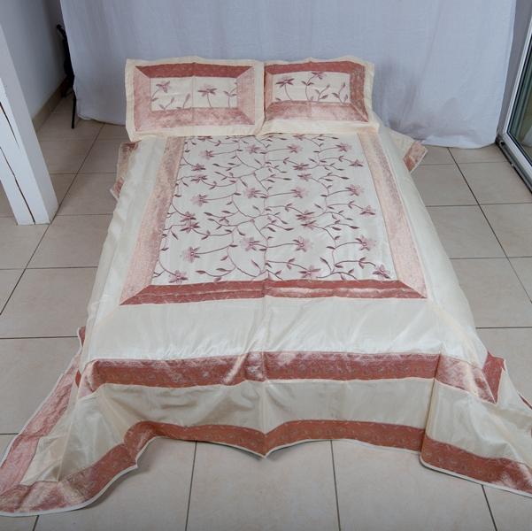 jete de lit 220 cm x 280 cm blanc automne abonomobels. Black Bedroom Furniture Sets. Home Design Ideas